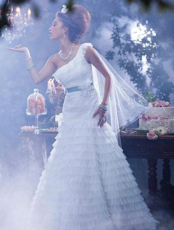 プリンセスと魔法のキス_ティアナウェディングドレス_AlfredAngelo(アルフレッドアンジェロ)5