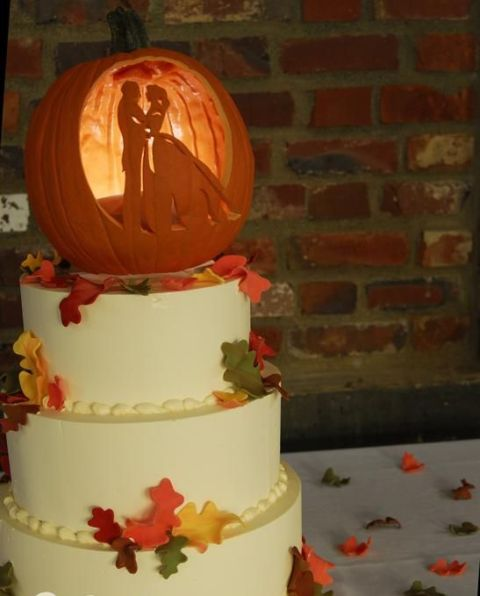 22-Pumpkin-Wedding-Cake-Ideas-For-Fall5.jpg