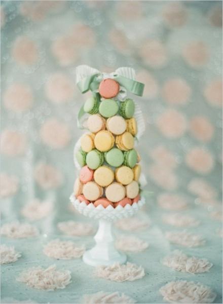 25-trendy-and-unique-macaron-tower-wedding-cakes-17-500x682.jpg