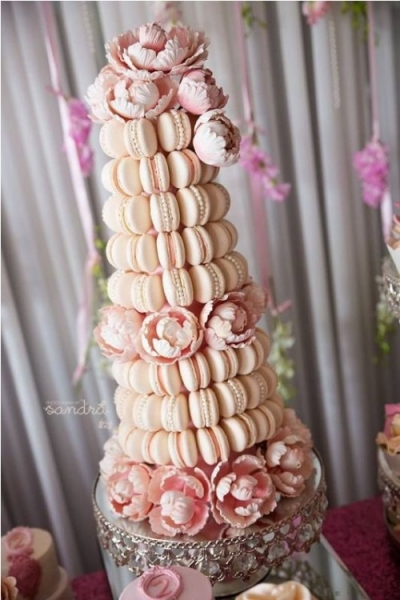 25-trendy-and-unique-macaron-tower-wedding-cakes-19-500x750.jpg