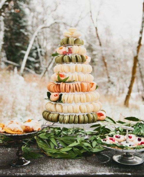 25-trendy-and-unique-macaron-tower-wedding-cakes-5-500x613.jpg