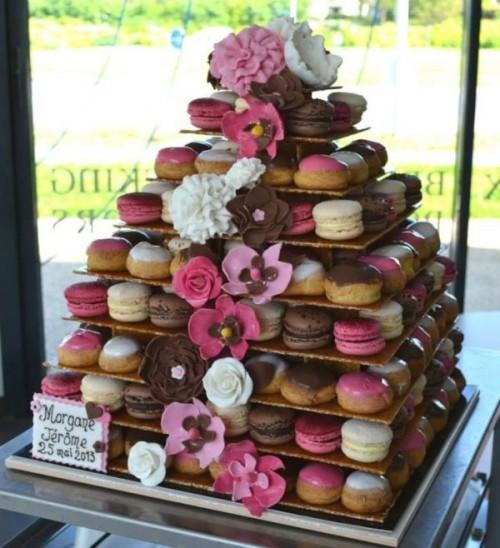 25-trendy-and-unique-macaron-tower-wedding-cakes-8-500x548.jpg