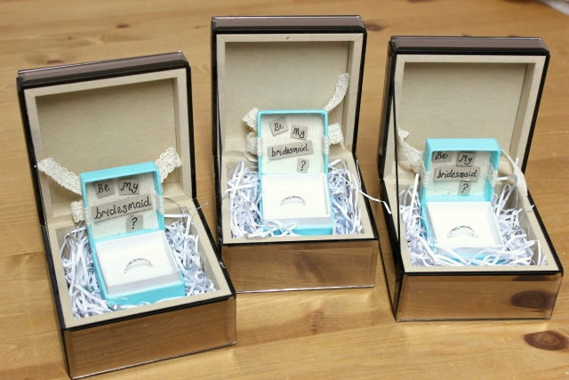 be_my_bridesmaid_box_rings1.jpg