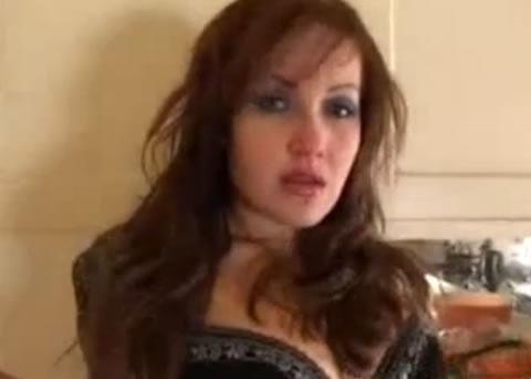 超SEXYな欧州美女のオシッコ&ブリブリう**!!(無修正)