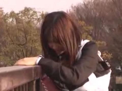 J*のマンコとアヌスに10個のローター装着し人通り多い公園の中羞恥散歩篇!!