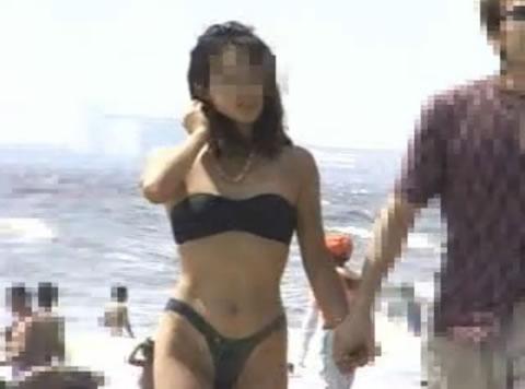 【野外露出】 ボディペイント黒水着海岸露出