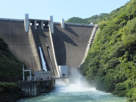 宮ヶ瀬ダムの放流