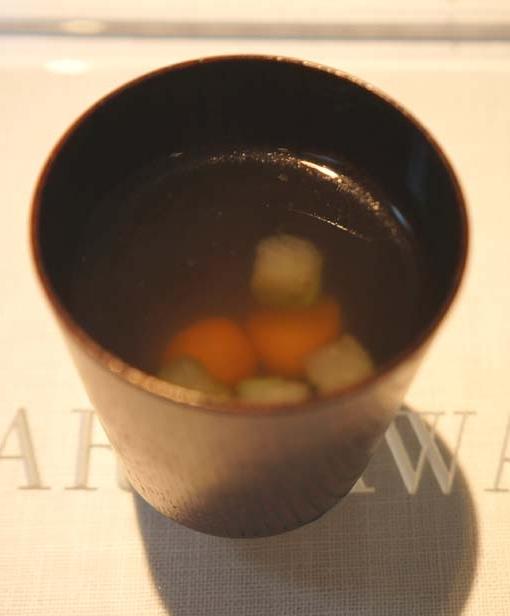 20150825 Narisawa 5 伊良部スープ 18㎝DSC01140