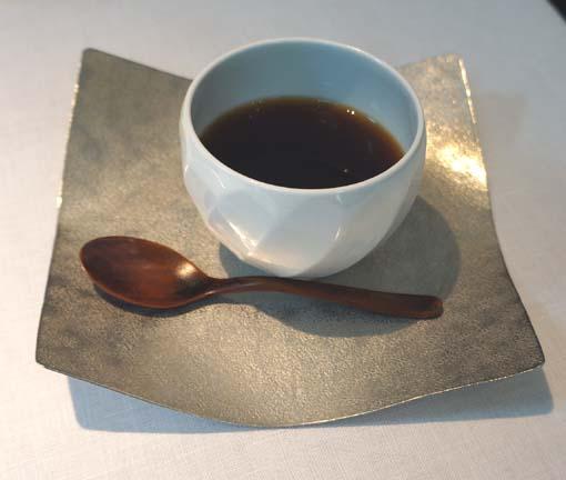 20150825 Narisawa 16 コーヒー 18㎝DSC01218