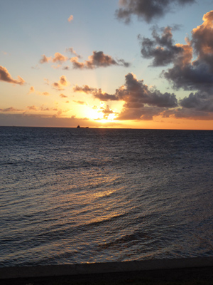 シトロン湾の夕日