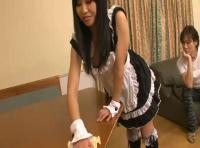 【omanko 無修正動画】adaruto ノーパンのメイドが家のお掃除をしてくれます!!色んな角度からomankoが丸見えですwww