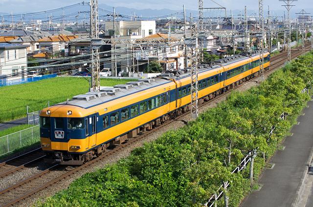 Kintetsu12200-2s.jpg