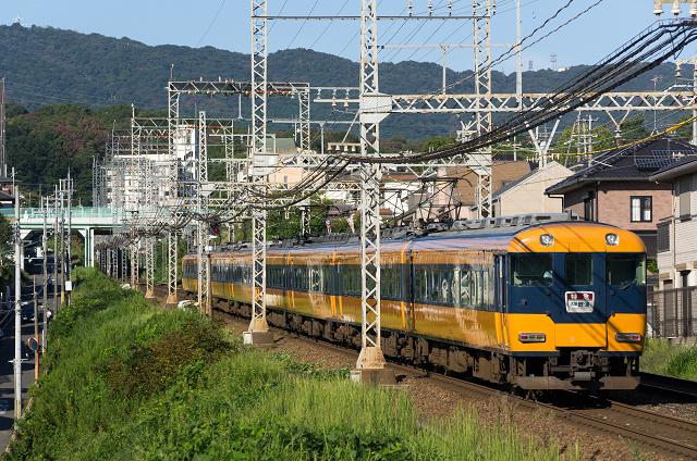 Kintetsu12200-4s.jpg
