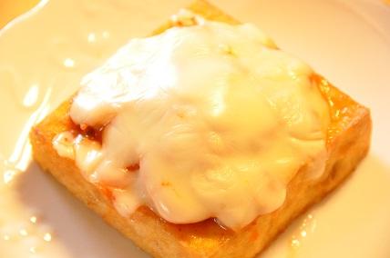 厚揚げのキムチチーズトースター焼き