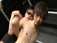 華奢で童顔な男の子が綺麗な肛門を激しく犯される