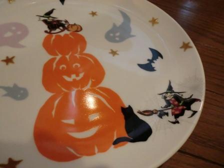 ハロウィンの皿1
