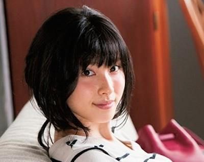 【画像】土屋太鳳、最新グラビアの乳デケええええええええええええええええええええ