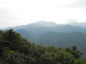 山三峰山方面