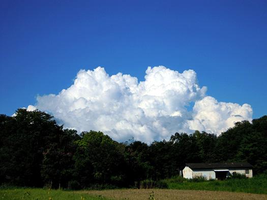 くっきりとした雲2。