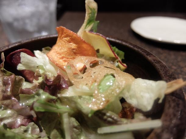 根菜チップのサラダ