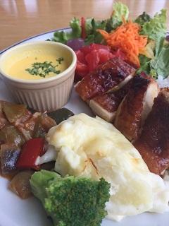 カフェスタジオ サンク 彩り野菜と旬材の三雪橋プレート