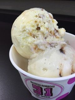 サーティワン アイスクリーム キャラメルプレリンクリーム×バナナスプリットサンデー