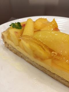 果物屋さんのフルーツタルト ルヴェルジェ 黄金桃のタルト