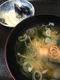 和定食 滝太郎 お味噌汁とお新香