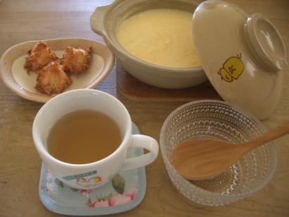 手作りお菓子(ロッシェ)と土鍋プリン