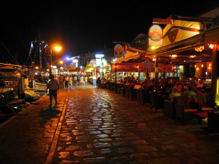 ピタゴリオ港の夜