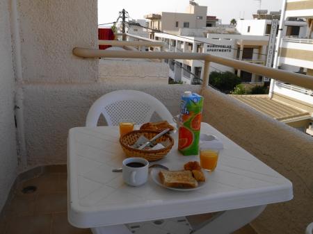イノアパート 朝食