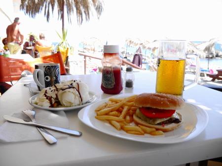 ハンバーガー他の昼食