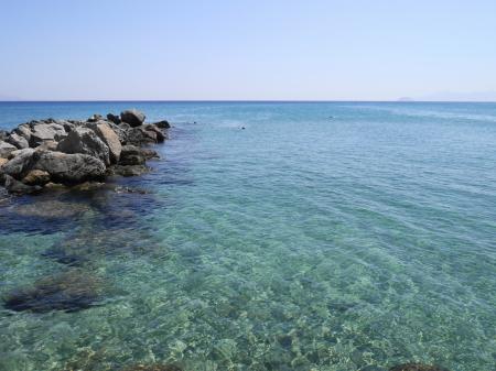 透明度が高いカルダメナの海