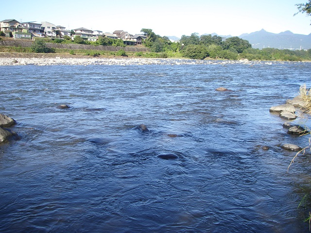 PA020490上流エサ釣り区域.jpg