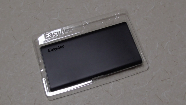 EasyAccの10000mAhモバイルバッテリー21-59-01-528