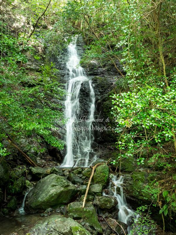 無名の滝 J