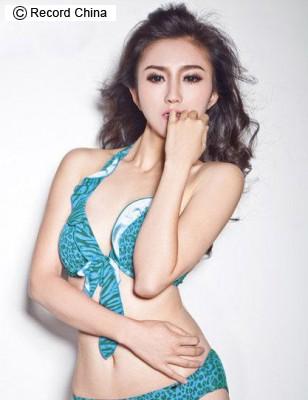 美人教師 中国 タオ・リンジュウ