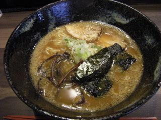 福岡市 中央区 荒戸 ラーメン 麺家一清 博多醤油