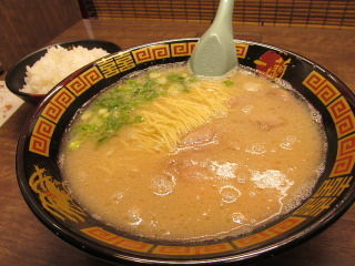 福岡 ラーメン 一蘭の森 Ichirannomori The forest of Ichiran