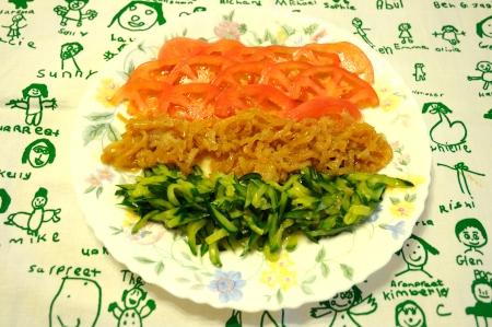 くらげと野菜の和え物