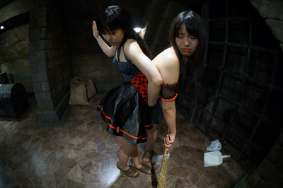 RPG『美少女お仕置き中』