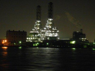 昭和シェル石油と東亜石油製油所