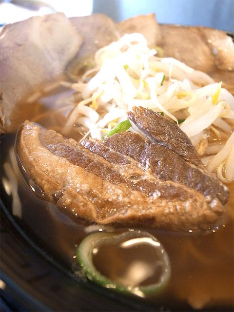 150430焼豚キッチン-チャーシュー麺しょうゆ味・チャーシュー