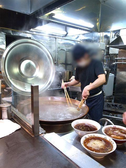 150503青島食堂曲新町店-厨房