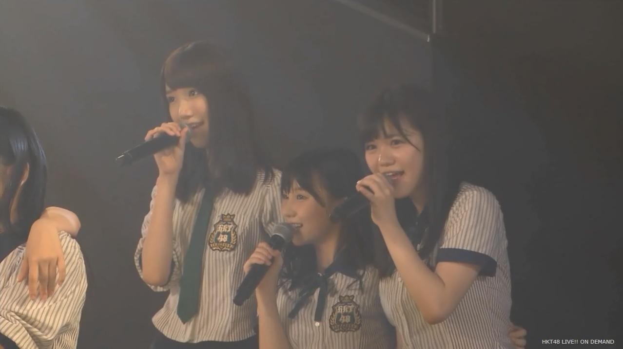 コンサートで歌うHKT48の田中優香