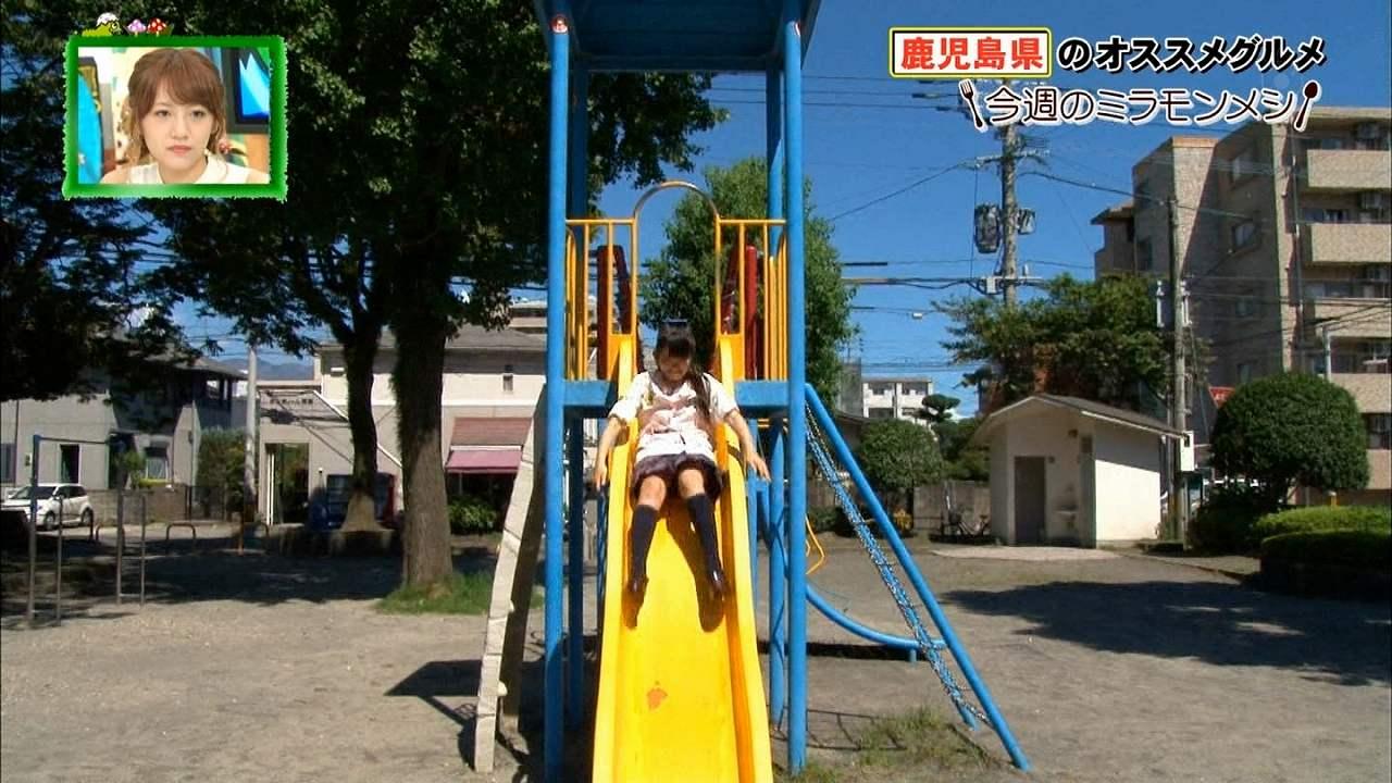 フジテレビ「ミライ モンスター」今週のミラモンメシでパンチラするAKB48・下青木香鈴