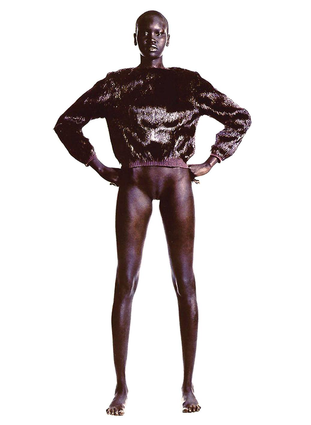 足が長すぎるスーパーモデル、アレック・ウェック
