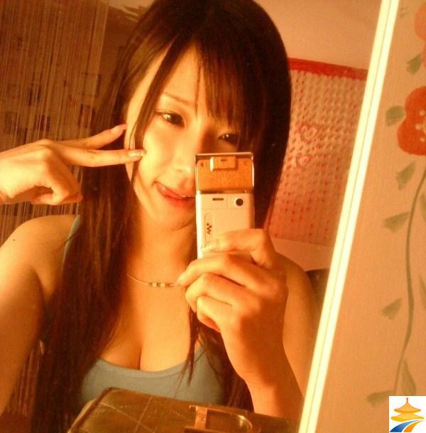 中国の美人ネットアイドル、哈尼族(ハニぞく)の童小芯ちゃん