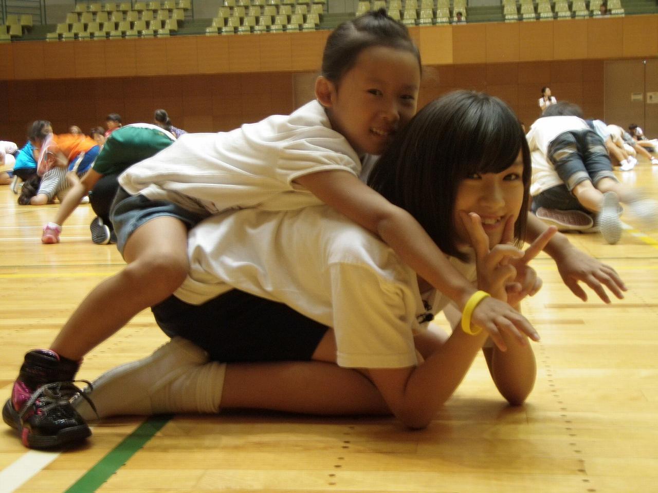 SKE48の研究生・水野愛理(12歳)がバックで突かれてる流出画像