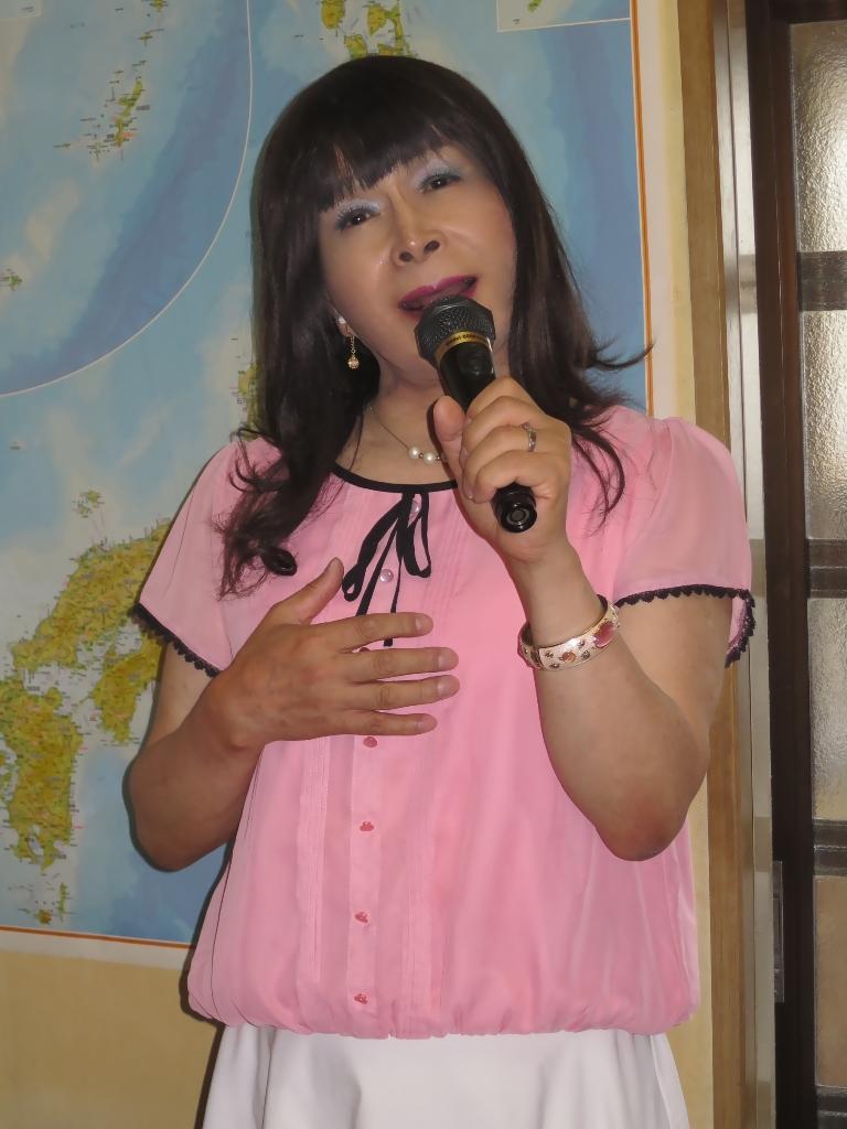 ピンクブラウスカラオケ(2)